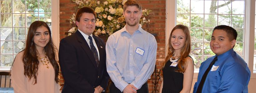Griffin Hospital recognizes volunteers, awards scholarships